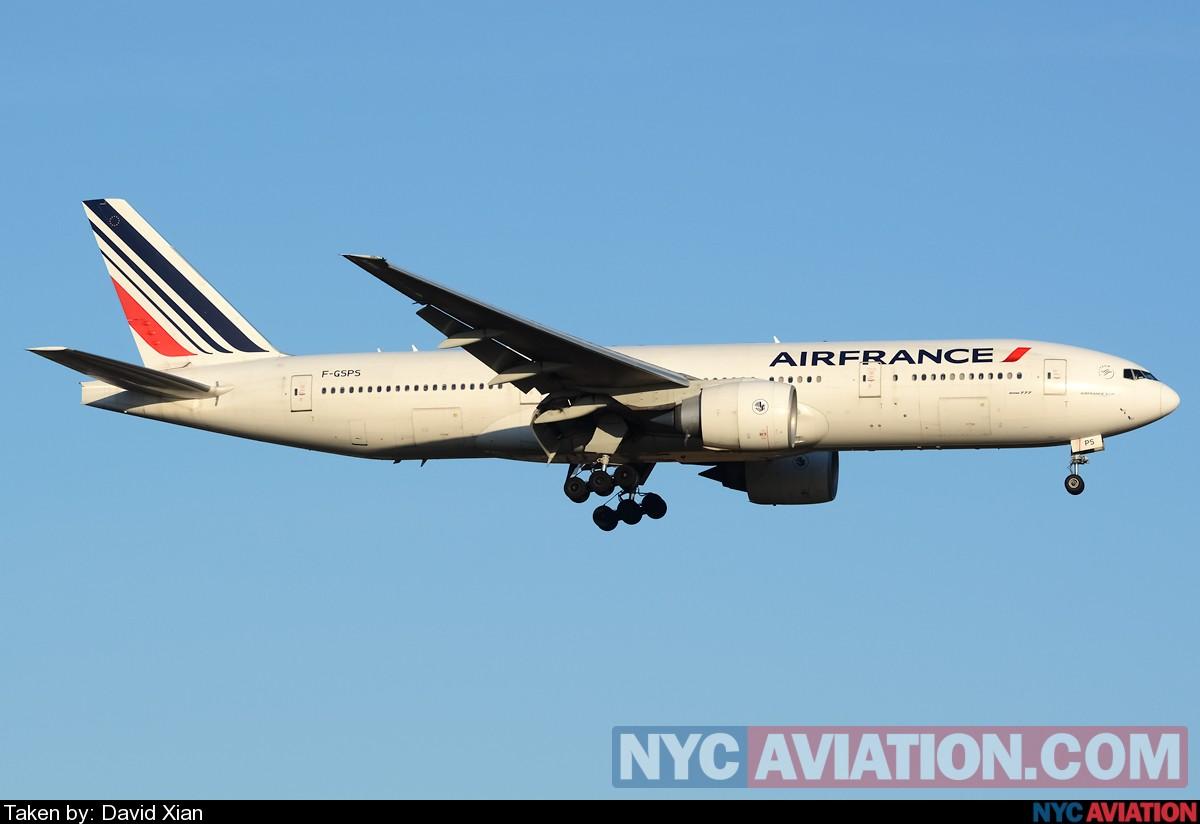 CVI3bkBHLT-airfranceapril.jpg