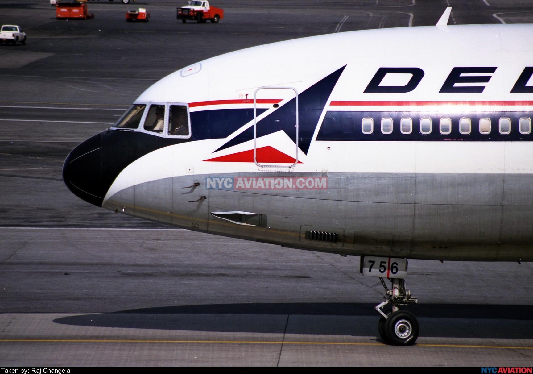 OGPfKNAZ6B-N756DL DL L1011-500 NOSE KJFK.jpg