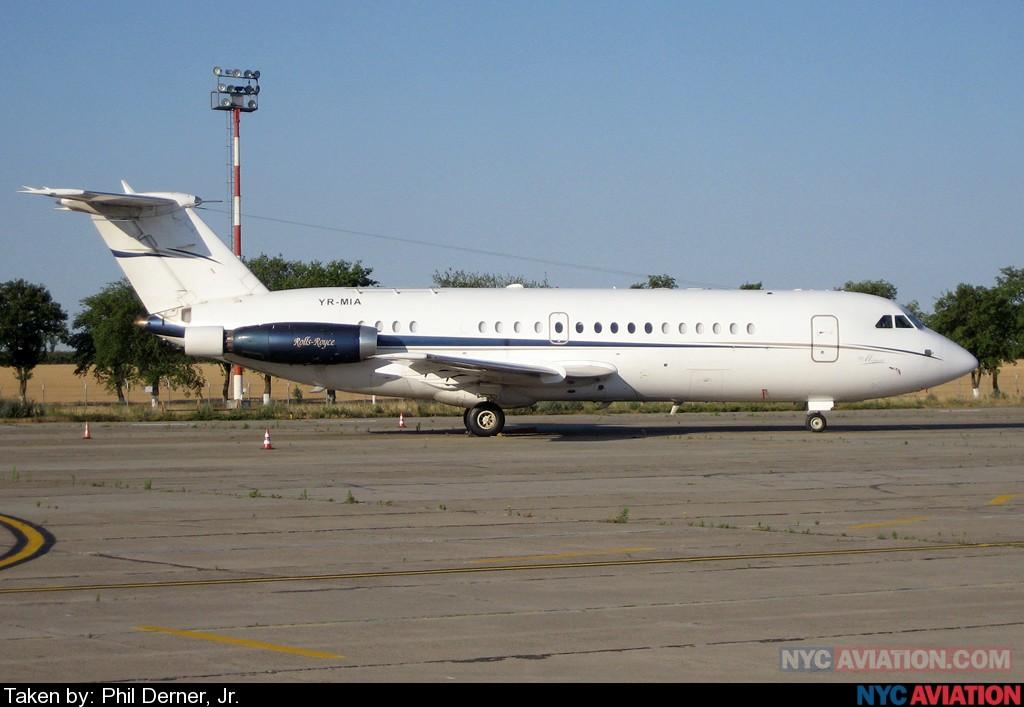 xTi89KXNvI-MIAAirlines_BAC111_YR-MIA_CND_062507.jpg