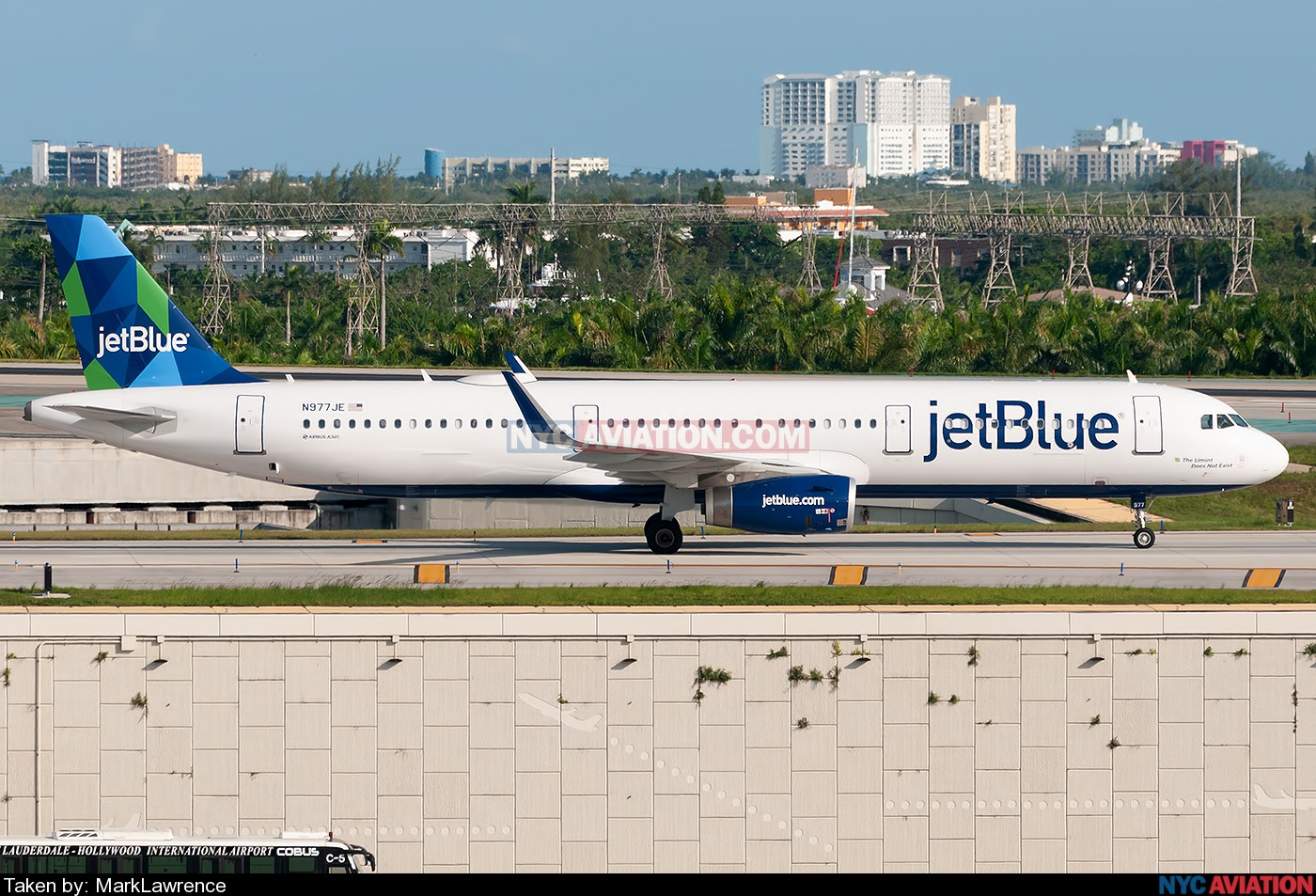 xUdIdQMuqz-A321-N977JE-KFLL-07292019.jpg