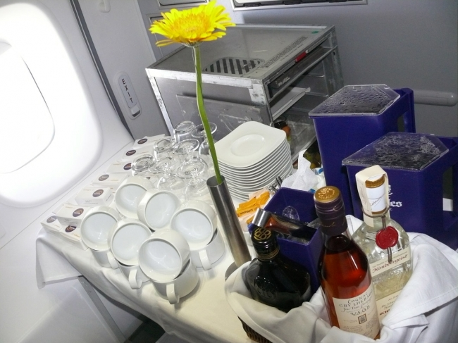 First Class catering. (Photo by Chris Sloan/Airchive.com)
