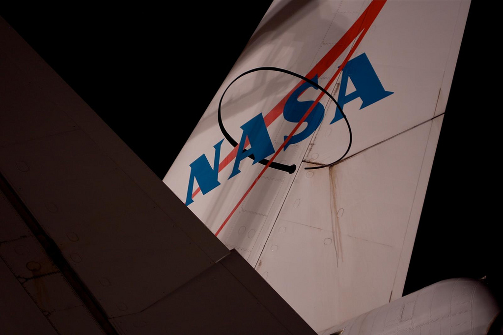 NASA Shuttle Carrier Aircraft tail. (Photo by Guy Dickinson, CC BY-SA)