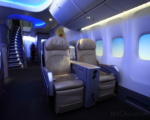 747-8I cabin mockup