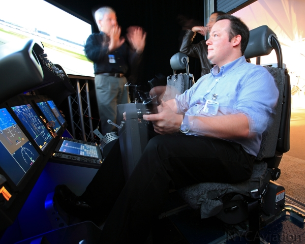 AirlineReporter David Parker Brown flying the 787 simulator