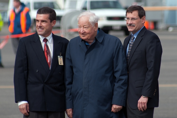 From left: Paul Stemer, First Officer; Joe Sutter, Father of the 747; Mark Feuerstein (Captain). (Photo by Tad Carlson)