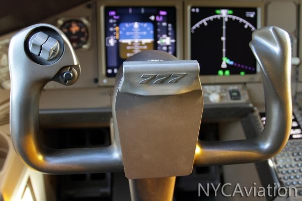 777-300ER yoke