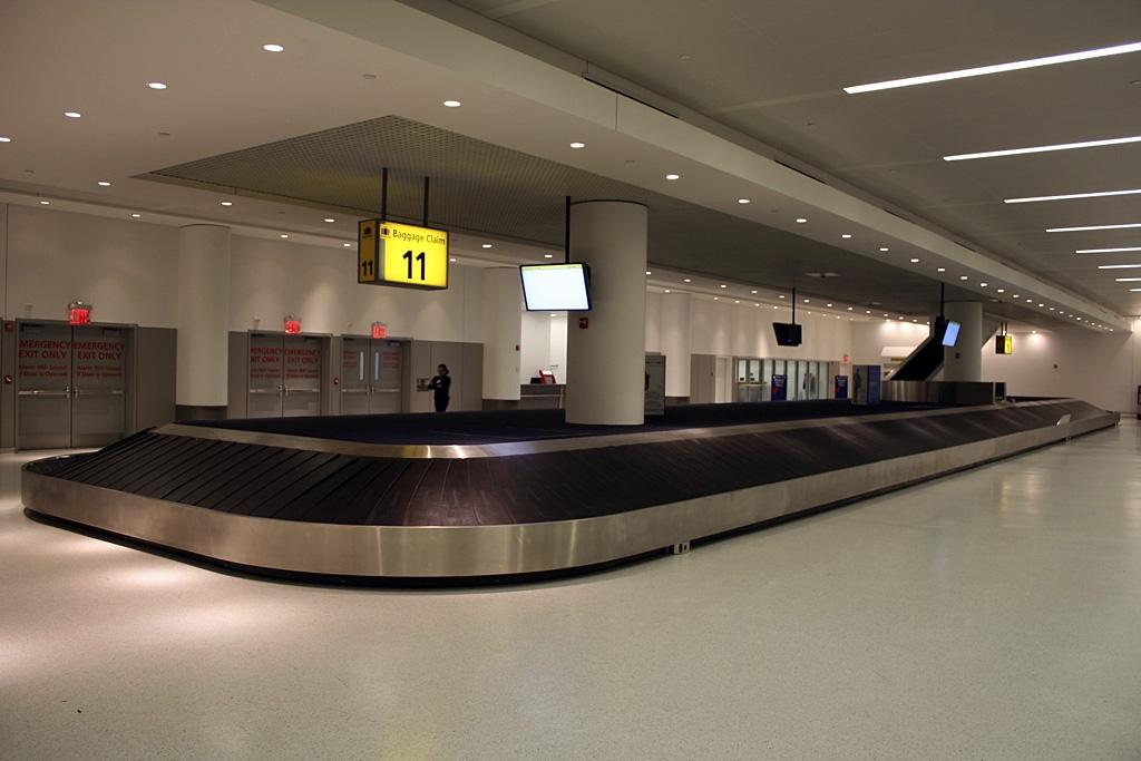 Delta Baggage Claims E B