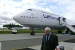 Boeing pioneer Joe Sutter poses in front of the Lufthansa 747-8I. (Photo by Chris Sloan/Airchive.com)