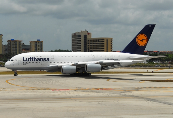Lufthansa A380 taxiing at MIA after arrival from Frankfurt. (Photo by Mark Lawrence)