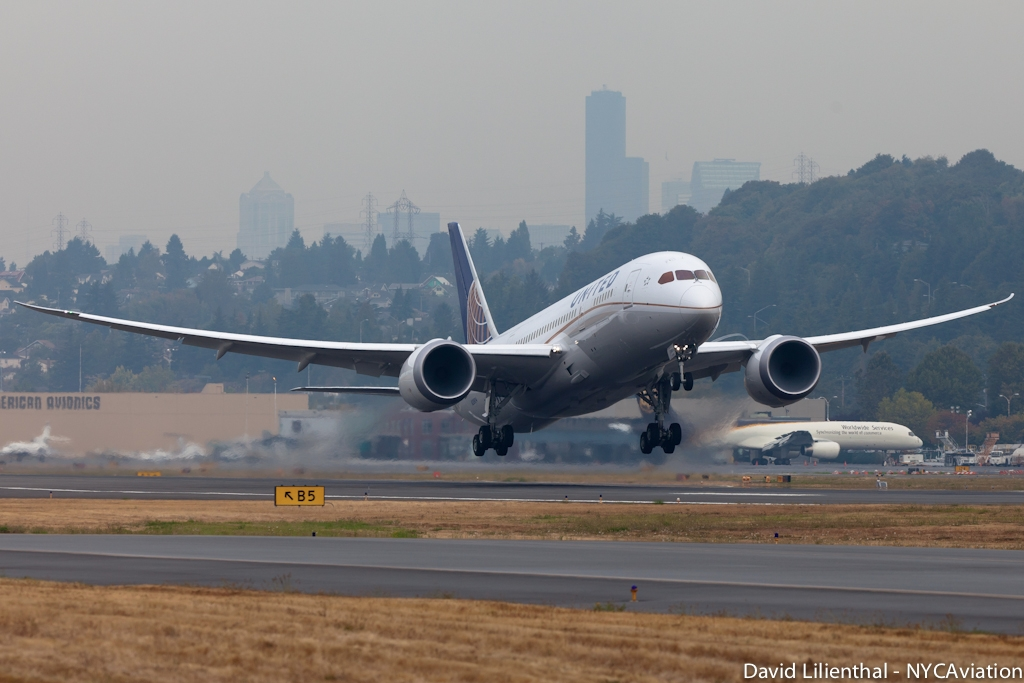 United's first Boeing 787 Dreamliner (N20904) takes off from Boeing Field on its delivery flight to Houston. (Photo by David Lilienthal/NYCAviation)