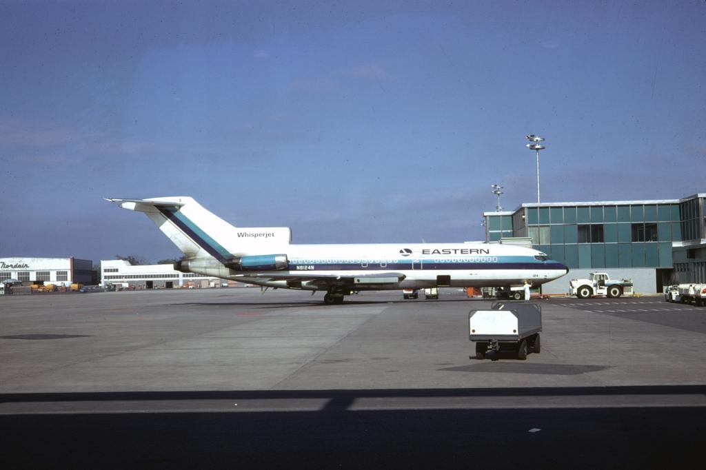 b727-025-eastern-airlines-n8124n-montreal-070468-wja