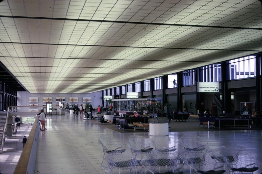 airports-winnipeg-alberta-090268-a-wja