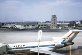 b-727-022c-united-airlines-n7425u-ord-wja