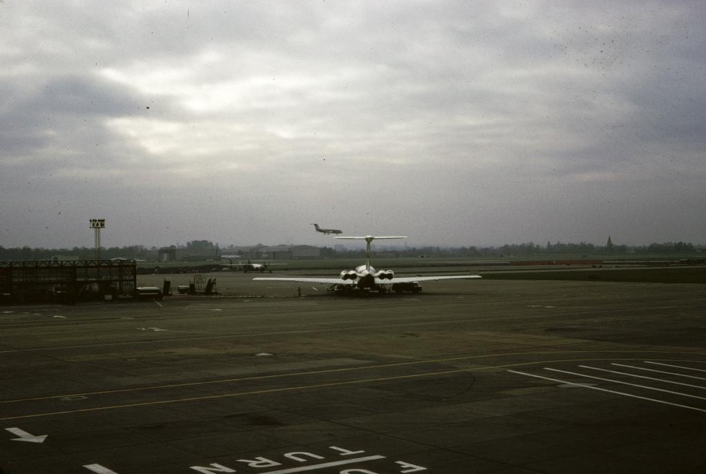 airports-london-gatwick-airport-120566-wja