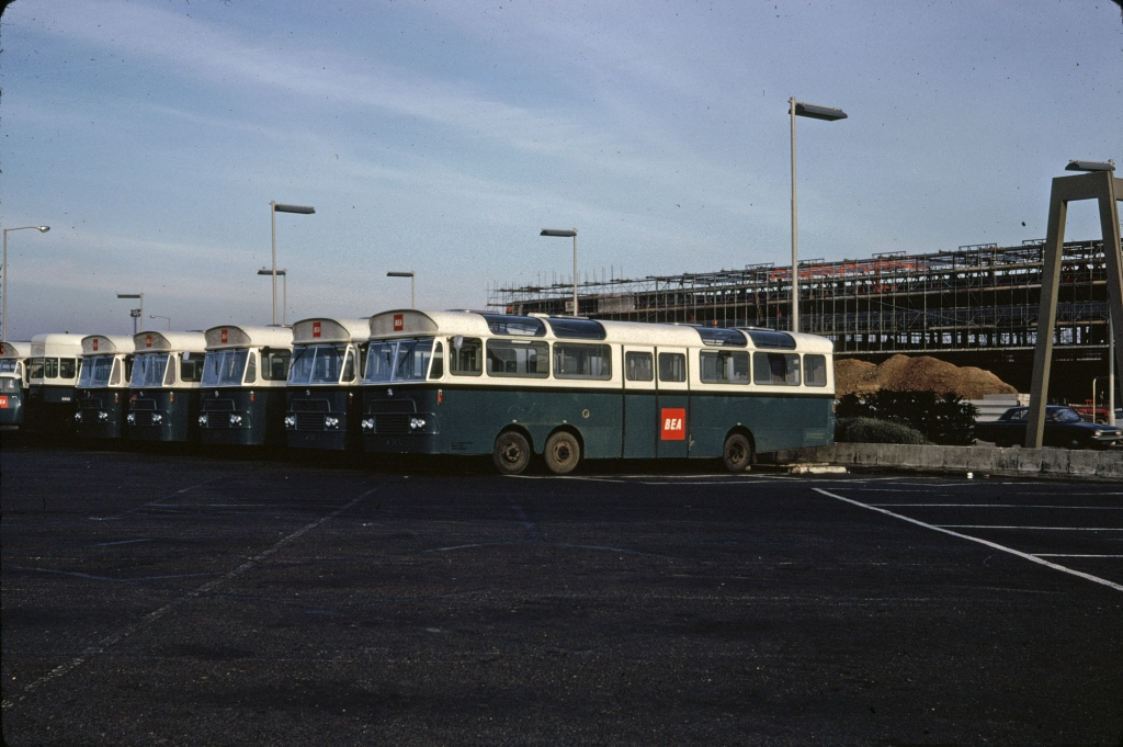 airports-london-heathrow-airport-buses-120466-wja