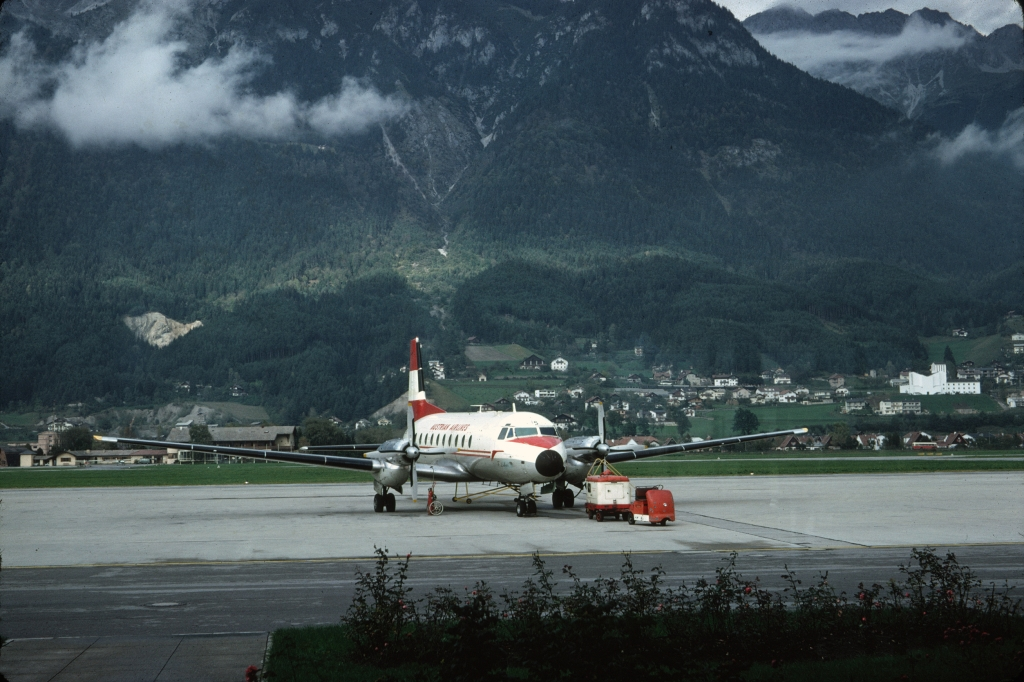 avro-748-226-austrian-airlines-oe-lhs-innsbruck-1066-wja