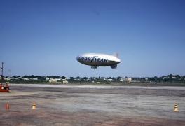 blimp-goodyear-flushing-airport-090769-b-wja