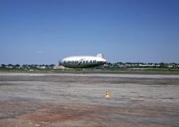 blimp-goodyear-flushing-airport-090769-c-wja