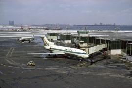 b727-022-united-airlines-n7006u-lga-032168-wja