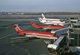 dc-9-32-new-york-air-n556ny-lga-010883-wja