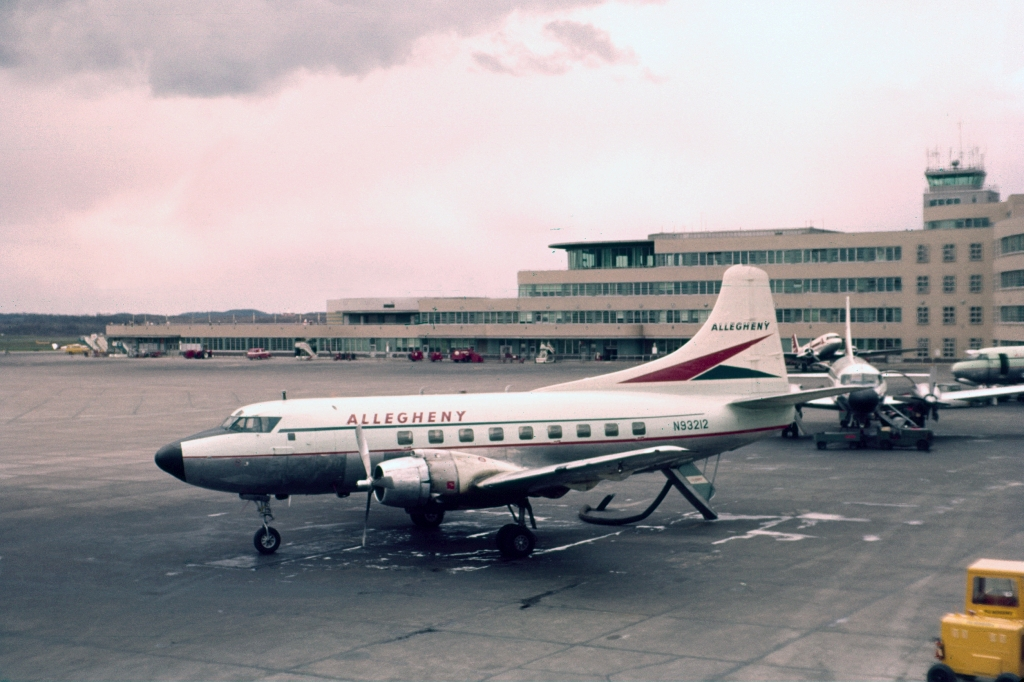 m-202-allegheny-airlines-n93201-pit-0461-wja