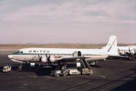 dc-6-united-airlines-n37522-bos-0960-wja