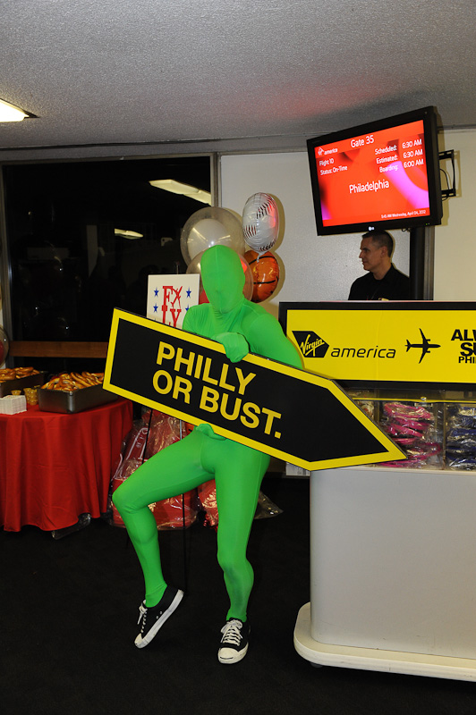 Green Man from It's Always Sunny in Philadelphia keeps guests entertained at Virgin America's LAX Gate 35. (Photo by Manny Gonzalez/NYCAviation)