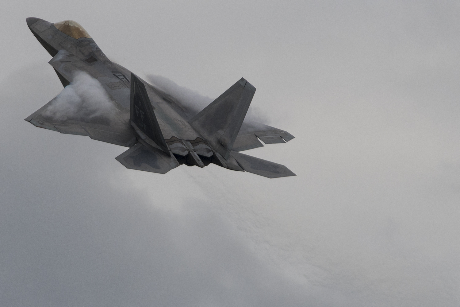 An F-22 arrives for static display