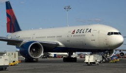 Delta 777-200LR N702DN (Photo by Mark Lawrence)