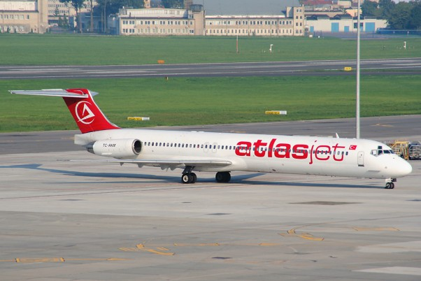 AtlasJet MD-82 (TC-AKM)