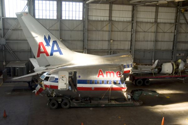 American Airlines 737-832 N977AN
