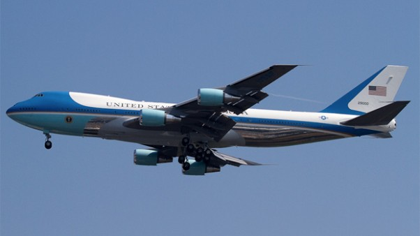 Air Force One 29000 on final approach to JFK Airport. Photo by Eric Dunetz