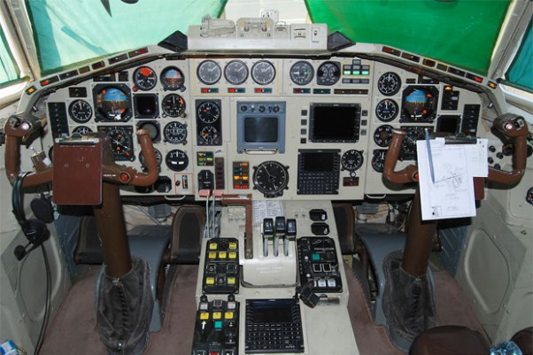 Cockpit of Polish Air Force Tu-154M 101. Photo by Gordon Gebert Jr.