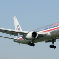 American Airlines 767-300ER on approach to LaGuardia Airport in New York. (Photo by Sergio Cardona)