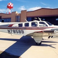 A Beechcraft 58 Baron similar to this one crashed in Michigan yesterday, killing 4 of the 5 occupants. (Photo by Tom Turner)