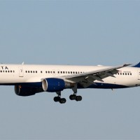 Delta Air Lines 757-200 N695DL