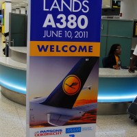 A380-lh-sign-005