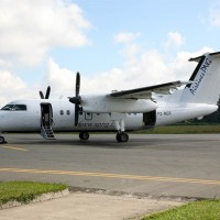 Airlines PNG Dash 8-100 P2-MCP