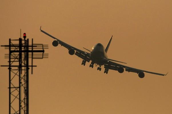aguirre-approach-747-250