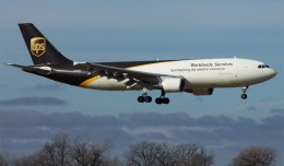 A UPS Airbus A300 (N166UP) delivering Christmas cheer to Des Moines