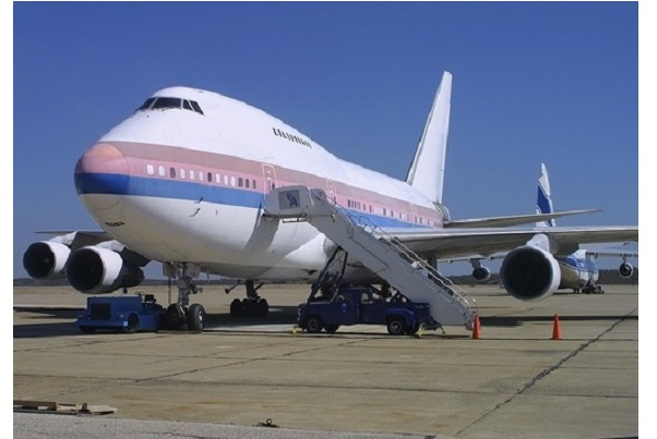 """Friendship One"" 747SP (N454UA) has seen ""fresher"" days. Captured here sitting at ACY in 2005, this was also once N538PA while operating under Pan Am. (Photo by Tom Turner)"
