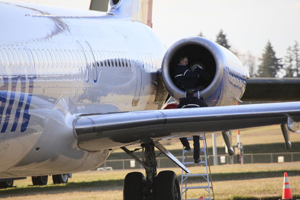 Allegiant Air Jet Makes Emergency Landing At Paine Field