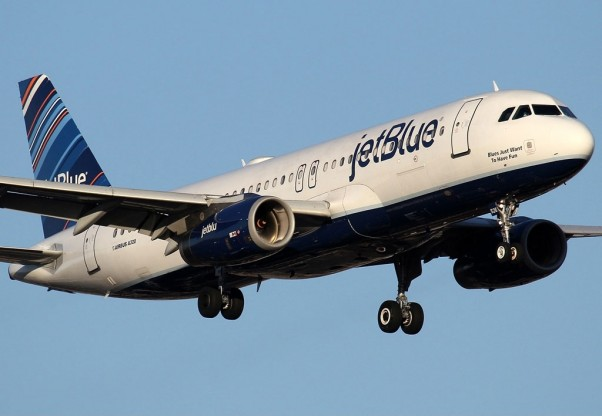 A JetBlue Airbus A320 like this one was diverted to Amarillo after the Captain suffered a panic attack. (Photo by Kaz T)
