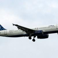 A JetBlue Airbus A320 N568JB