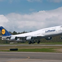 Lufthansa&#039;s first Boeing 747-8 Intercontinental (D-ABYA) takes off on a test flight. (Photo by Boeing)