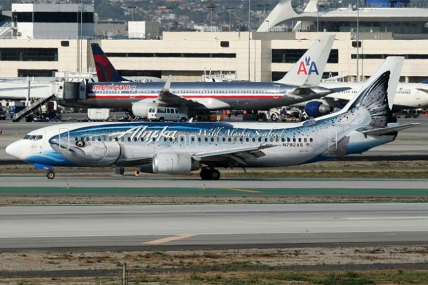 The original Salmon Thirty Salmon (N792AS) swimming upstream at LAX. (Photo by Mark Hsiung)
