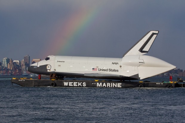 48 Amazing Photos of Space Shuttle Enterprise Sailing Into ...