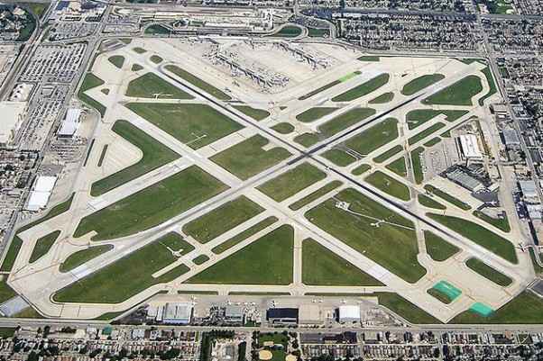 Aerial view of Chicago Midway Airport. (Photo by Chris Bungo)