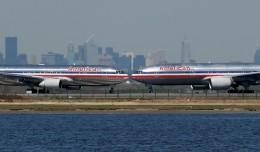 American Airlines 767 and 777 about to get hot and heavy at JFK. (Photo by Mark Hsiung)