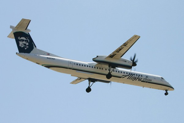 Horizon Air Dash 8 Q400 (N423QX) landing at LAX. (Photo by Hawaiian717 via Wikipedia, CC BY-SA)